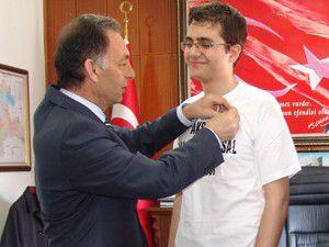 Siyasete atılmak ve başbakan olmak istiyorum