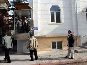 Beyşehirde camiye engelli asansörü