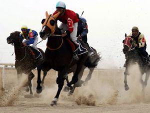 Konyada at yarışları devam ediyor