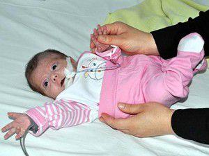 Parmak bebek 4,5 ay sonra annesine kavuştu