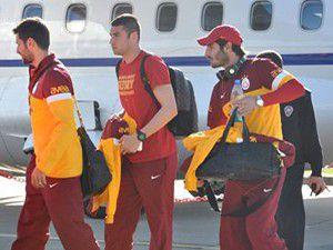 Galatasaray özel uçakla Cumaya yetişti