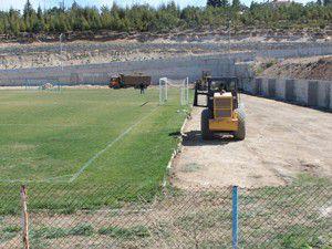 Beyşehir Stadı tribünlerinin üzeri kapatılıyor