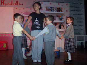 Gençlik te tiyatro keyfi