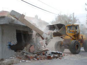 Meram da 250 kaçak yapı yıkıldı
