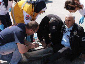 Hırsız polisin bacağını kırdı