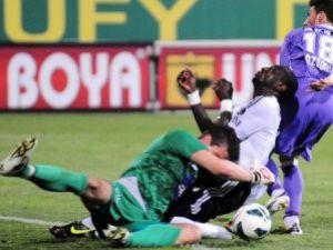 Ünlü futbolcu yoğun bakımda!