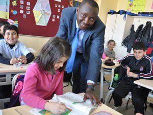 M.Özdemirde dil eğitimine tam destek