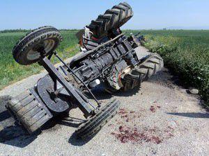 Akşehirde traktör devrildi; 1 yaralı