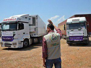 Suriyeye yardımlar sürüyor