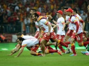 Galatasaraylı Oyunculara 6 Milyon TL Prim