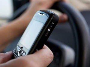 Cep telefonu trafikte dalgınlığa neden oluyor!