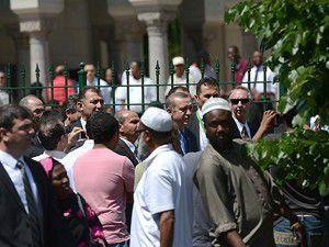 Erdoğan cumayı İslamic Centerde kıldı