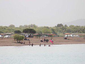 Beyşehir Gölünde yüzme keyfi