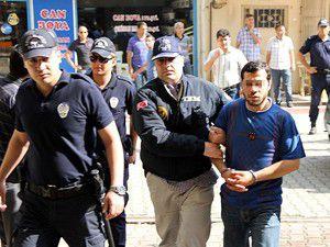 Gözaltına alınan 6 zanlı adliyede