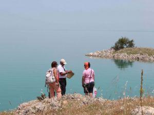 Doğa tutkunları Beyşehir Gölünde keşfe çıktı