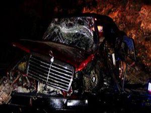 Düğün dönüşü kaza: 3 ölü, 5 yaralı