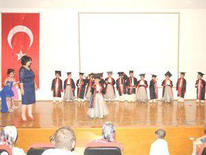M.Katırcıda Anaokulu öğrencilerinden yılsonu şenliği