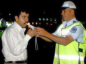 Alkolmetreyi üflemeyenin ehliyetine el konulacak