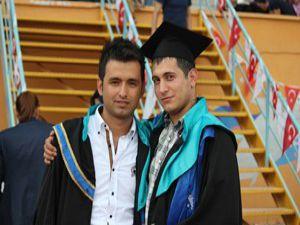 Selçuk iletişimde mezuniyet çoşkusu