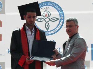 İlk mezuniyet coşkusu