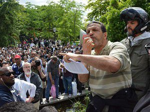 Pariste polis şiddetine protesto