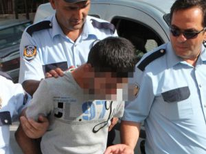 Hırsız 3 lira çaldı