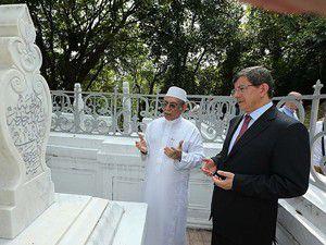 Dışişleri Bakanı Davutoğlu Singapurda