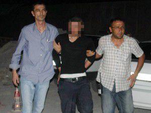 Teravih namazına giden polis bıçaklandı