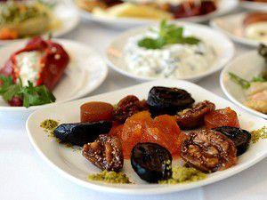 Ramazanda beslenme sıklığı 4 öğün olmalı