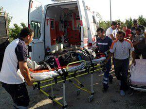 Konyada çardak çöktü 2 yaralı