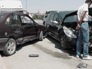 Konyada trafik kazaları 4 yaralı