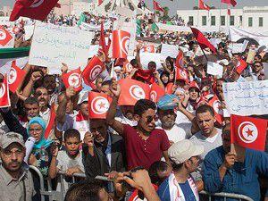 Devrimin iki farklı yüzü: Mısır ve Tunus