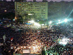 """Mısırda """"milyonluk"""" gösteriler sürüyor"""