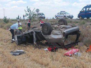 Otomobil takla attı 7 yaralı