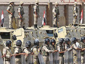 Mısırda asker taşıyan otobüs kaza yaptı: 15 ölü