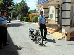 Trafikten men edilen motosikleti depodan çaldı