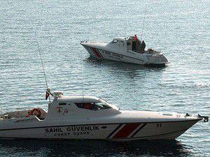 Kaçakları taşıyan bot battı: 1 ölü 8 kayıp
