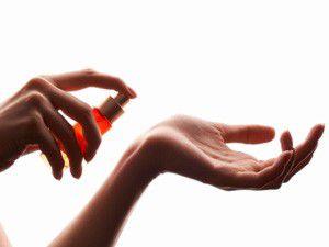 Güzel koku kadınlarda ağrıyı azaltıyor