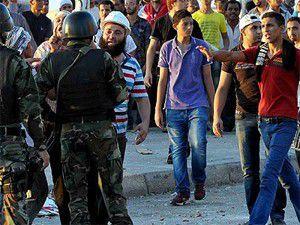 Mısırda darbe karşıtları ve yandaşları çatıştı