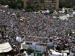 Mısırda Ordu birlikleri meydanlardan çekildi