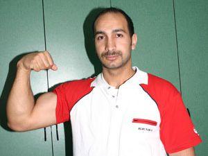 Türk sporcu, bileğinin gücünü dünyaya duyurdu
