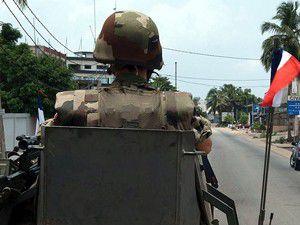 Camiye saldırmaya hazırlanan asker yakalandı
