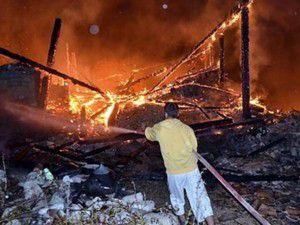 Televizyon patladı 4 ev kül oldu
