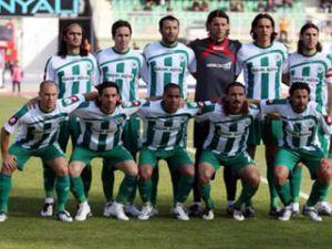 Konyaspor 16 futbolcuyla yollarını ayırdı