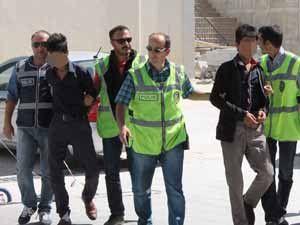 Onlar çalmaktan, polis yakalamaktan bıkmadı