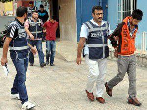 Konyada bisikletli gaspçılar yakalandı