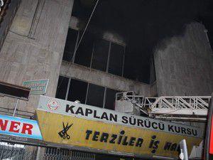 Konyada Terziler İşhanında yangın çıktı!