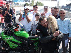 Türkiye şampiyonu pistte nişan yaptı
