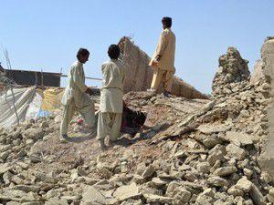 Pakistanda ölenlerin sayısı 328e yükseldi