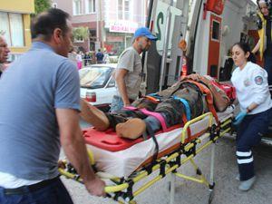 Beyşehirde traktör devrildi: 1 yaralı.